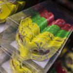 Carnavals maskers ter decoratie Schuitemaker Maastricht BV